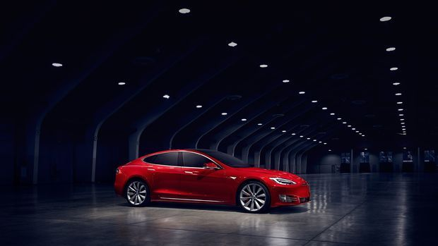Tesla Model S'in üretimini durdurdu