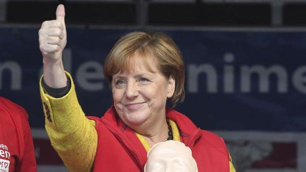 Merkel'den seçim sonrası ilk açıklama
