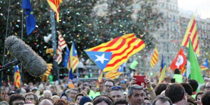 Katalonya referandum konusundaki ısrarını sürdürüyor