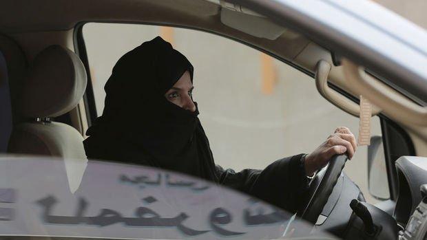 Suudi Arabistan'da kadınlar toplu taşıma araçları ve taksileri de kullanabilecek