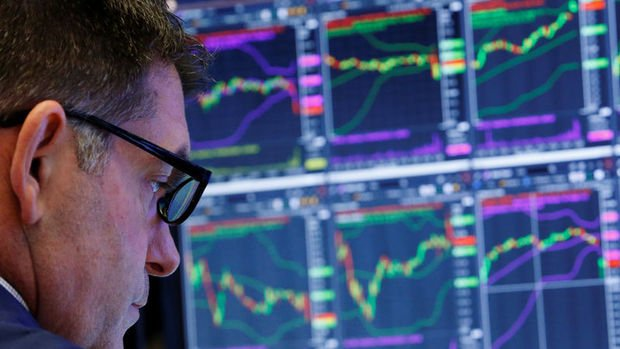 Küresel Piyasalar: ABD hisseleri rekor tazeledi, dolar Fed'le zayıfladı