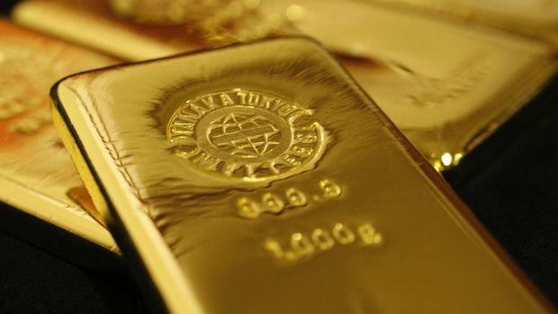 Altın artan siyasi riskin etkisiyle yükseldi