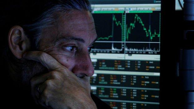 Küresel Piyasalar: Türk Lirası sert düştü, ABD hisseleri dalgalandı