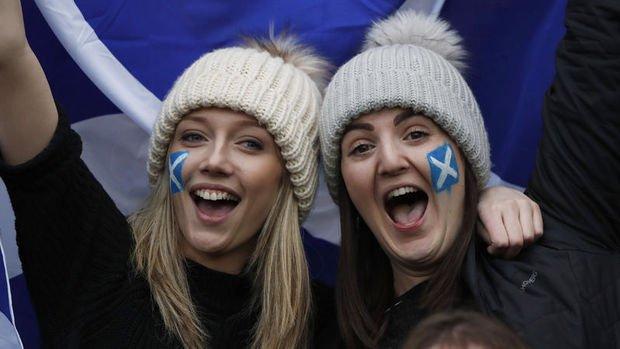 İskoçya Birleşik Krallık'tan ayrılmak için referandum yapacak