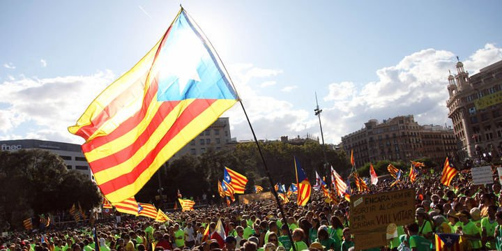 Katalonya lideri bağımsızlık isteğini sürdürüyor