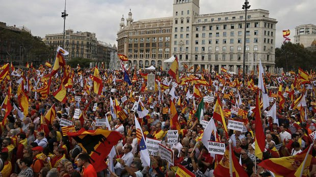 İspanya Katalonya kriziyle büyüme tahminini düşürdü