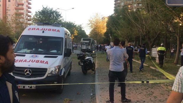Mersin'de polis servis aracına yönelik bombalı saldırı düzenlendi