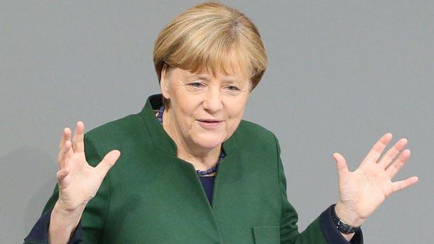 Merkel: Türkiye'ye mülteci yardımları yenilenmeli