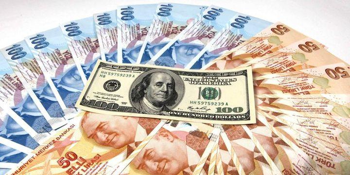 Dolar/TL 3.72 seviyesinden döndü