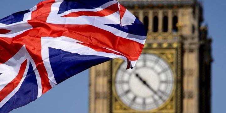 İngiltere 3. çeyrekte % 0.4 ile beklentinin üzerinde büyüdü