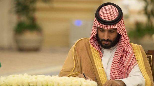 Suudi Veliaht Prensi: OPEC kısıtlamalarının 2018'e genişlemesini destekliyorum