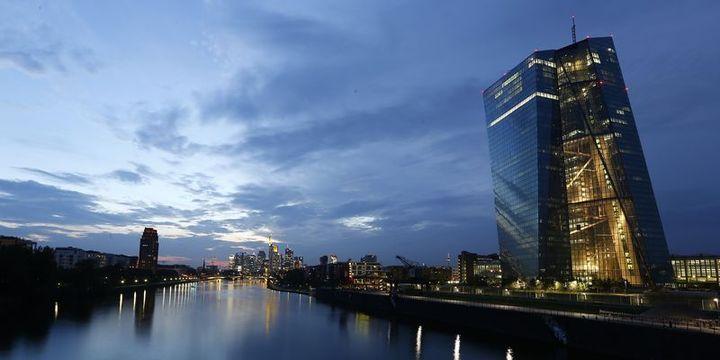 Önemli AMB yetkililerinin QE kararına karşı çıktığı belirtildi