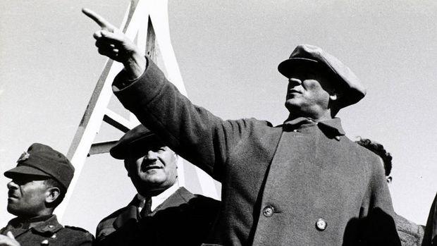 Cumhuriyetimizin Kurucusu Atatürk'ü Saygı, Sevgi ve Özlemle Anıyoruz