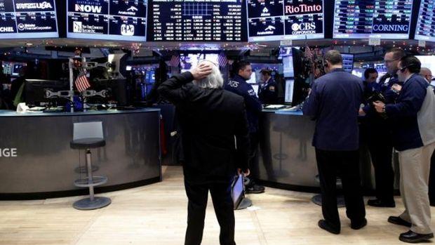 Küresel Piyasalar: Sterlin siyasi endişelerle düştü, hisse senetleri değer kaybetti