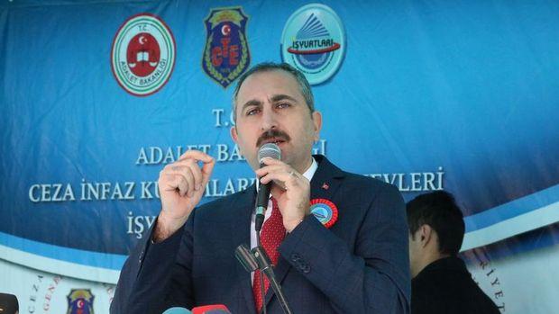 Adalet Bakanı Gül: Gülen'in teslim edilmesi için ısrarımız sürüyor