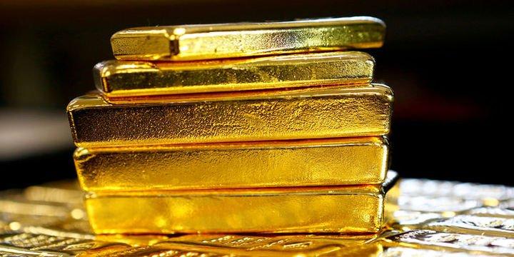 """Altın """"Fed görünümü"""" ve ABD vergi planıyla 4 ayın en düşüğüne indi"""