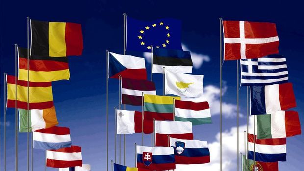 Euro Bölgesi'nde ithalat, ihracatı geçti