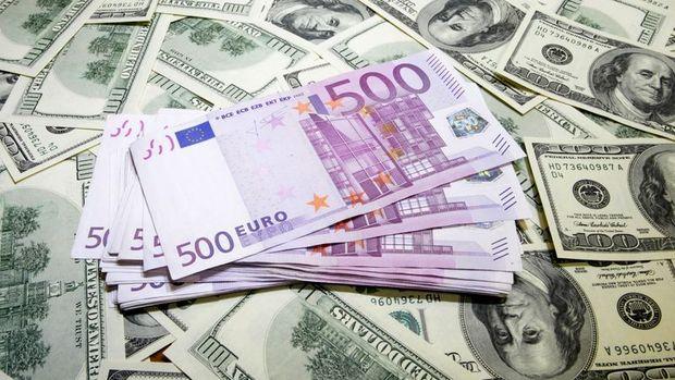 Euro/dolar Cuma günkü kayıplarını geri aldı