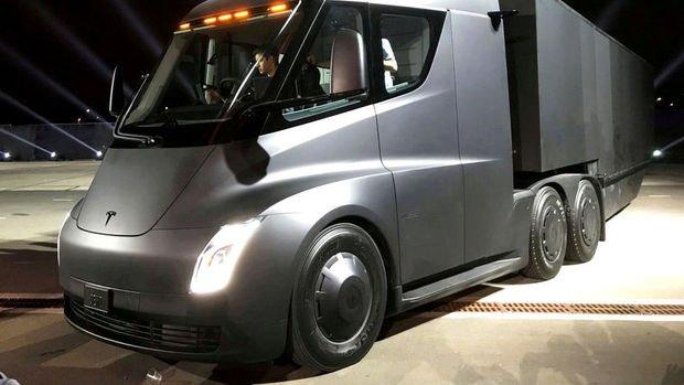 Tesla Semi için en büyük sipariş UPS'ten geldi