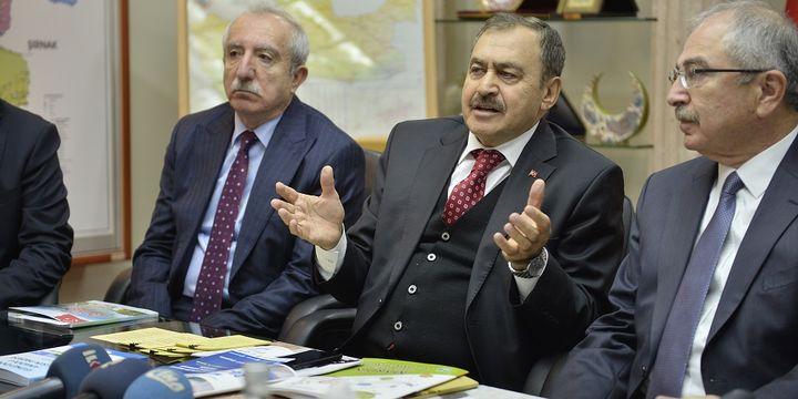 """Bakan Eroğlu: """"Tarlasına damlama ve yağmurlama borusu çekmeyene su yok"""""""