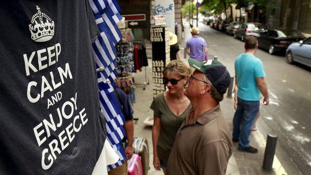 Yunan ekonomisi 8 yıl sonra normale dönüyor