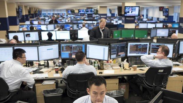 Küresel Piyasalar: Dolar yatay seyrederken, hisseler düşüşünü sürdürdü
