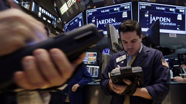 Küresel Piyasalar: dolar hafif yükseldi, hisseler ve euro