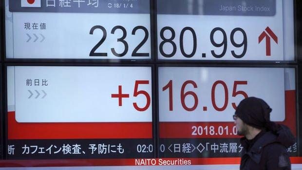 Nikkei 225 Endeksi 12 senenin en iyi yılbaşını kaydetti