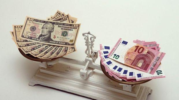 """Zayıf dolar küresel merkez bankalarının """"işini"""" hafifletebilir"""