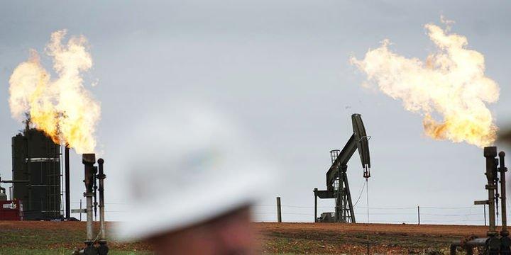 Commerzbank: Petrolde aşağı yönlü düzeltme olabilir