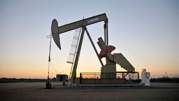 Petrol arza ilişkin iyimserlikle 61 doların üzerinde seyretti