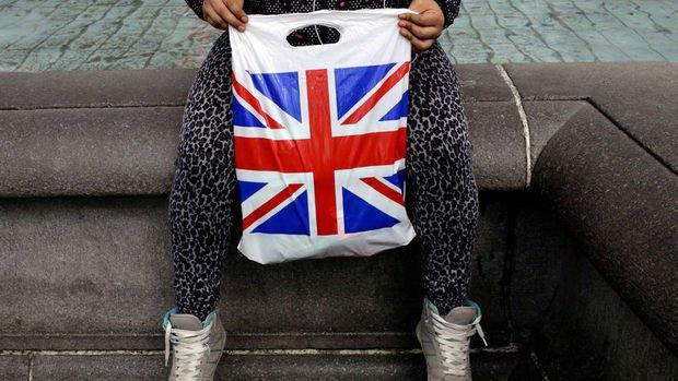 İngiltere'de enflasyon 6 ay içerisinde ilk kez düştü