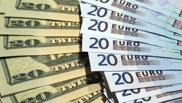 Dolar euro karşısındaki kazancını sildi
