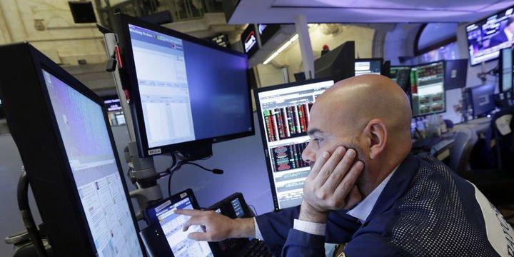 Küresel Piyasalar: Dolar düştü, hisselerde satışlar devam ediyor