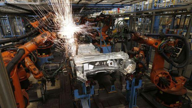 Sanayi üretimi Aralık'ta beklentilerin üzerinde