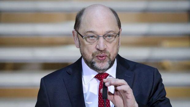 Almanya'da Martin Schulz Dışişleri Bakanlığı'ndan vazgeçti