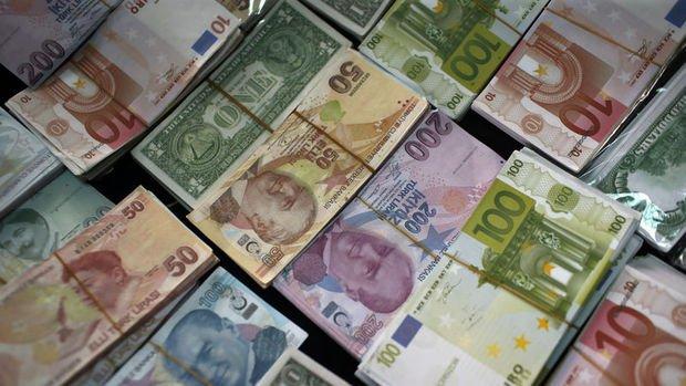 Dolar/TL enflasyon sonrası 3.82'yi aştı