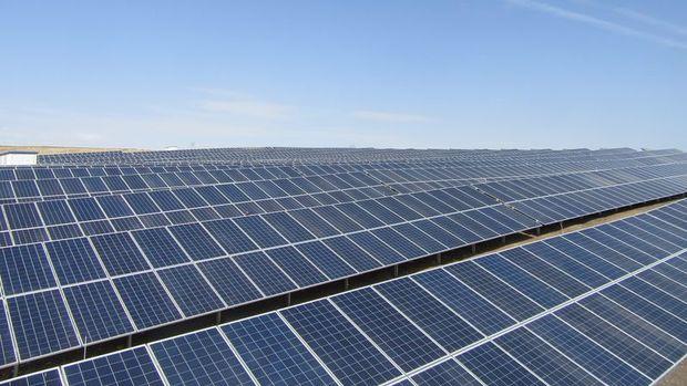Hükümlüler güneş enerjisinden elektrik üretiyor