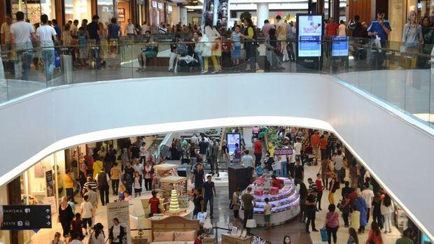 Türkler 2017'de yurt dışında alışverişe 113 milyon euro harcadı