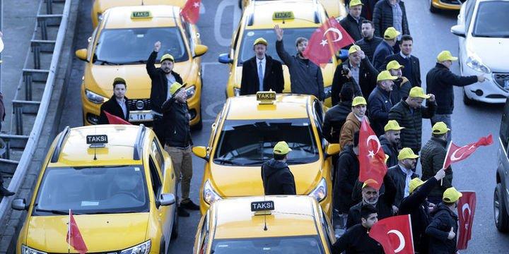 UBER davası taksicilerin protestosuyla başladı