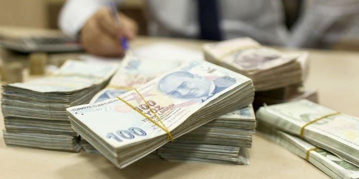 Hazine 2,7 milyar lira borçlandı