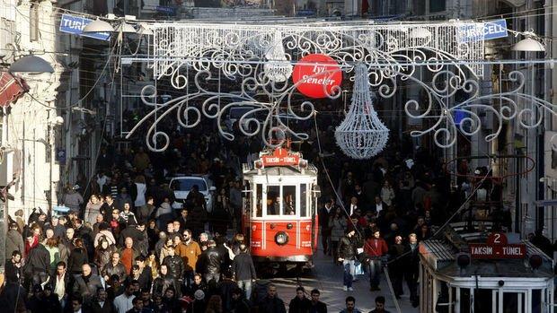 Türkiye'de yaşlı nüfus geçen yıl 6 milyon 895 bin 385 kişi oldu