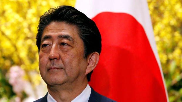 Japonya'da Abe'ye olan destek rekor düşük seviyede