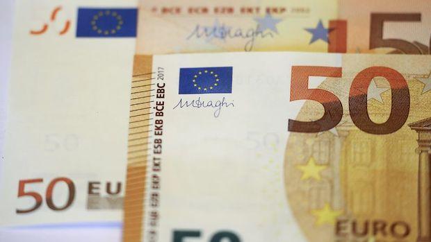 Euro kazançlarını genişletti