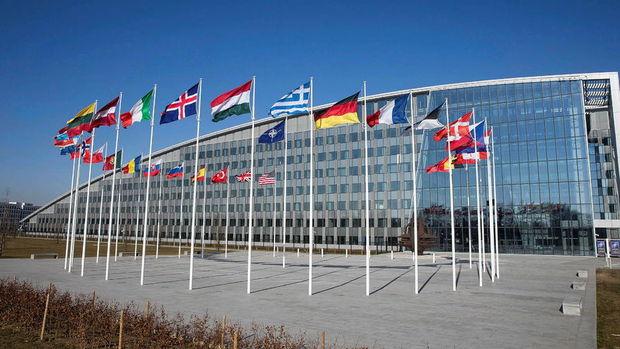 NATO Rus diplomatların akreditasyonunu iptal etti