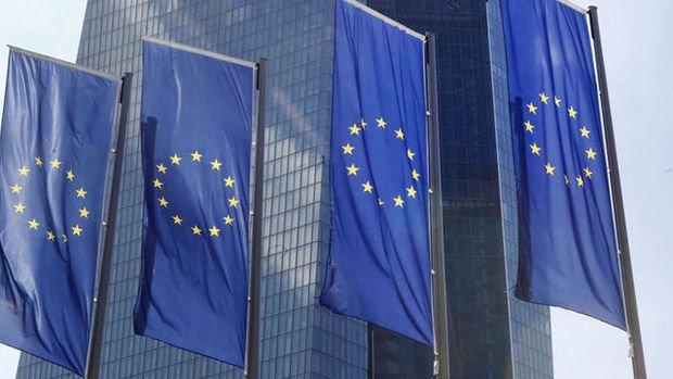 Euro Bölgesi'nde ekonomik güven 3. ayda da düştü