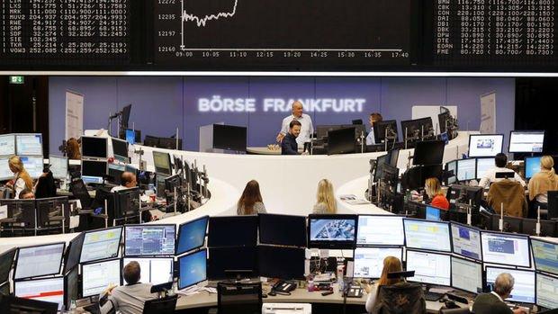 """Euro Bölgesi hisselerinde """"büyüme"""" baskısı artıyor"""