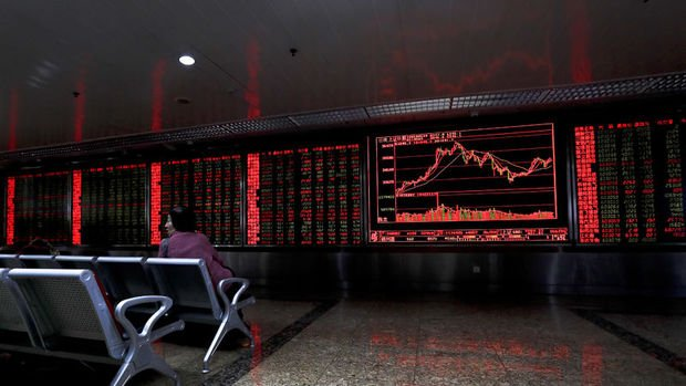 Küresel Piyasalar: Dolar değer kazandı, hisseler hafif yükseldi