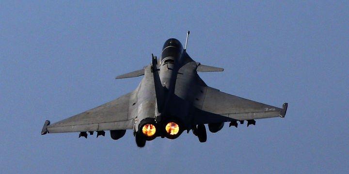 Al Jazeera: Koalisyon savaş uçakları Suriye-Irak sınırında görüldü