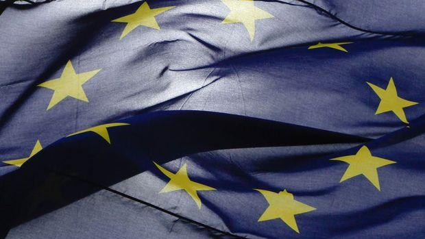 Euro Bölgesi'nde sanayi üretimi 3. ayda da beklenmedik şekilde düştü
